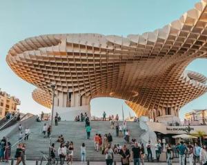 Sevilla: Vlucht & hotel